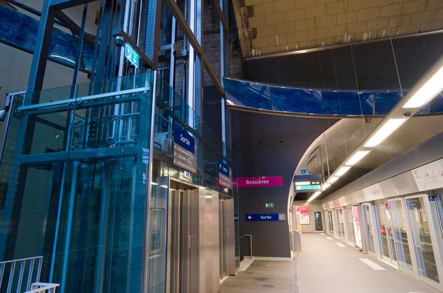 Station Bessières - Métro m2